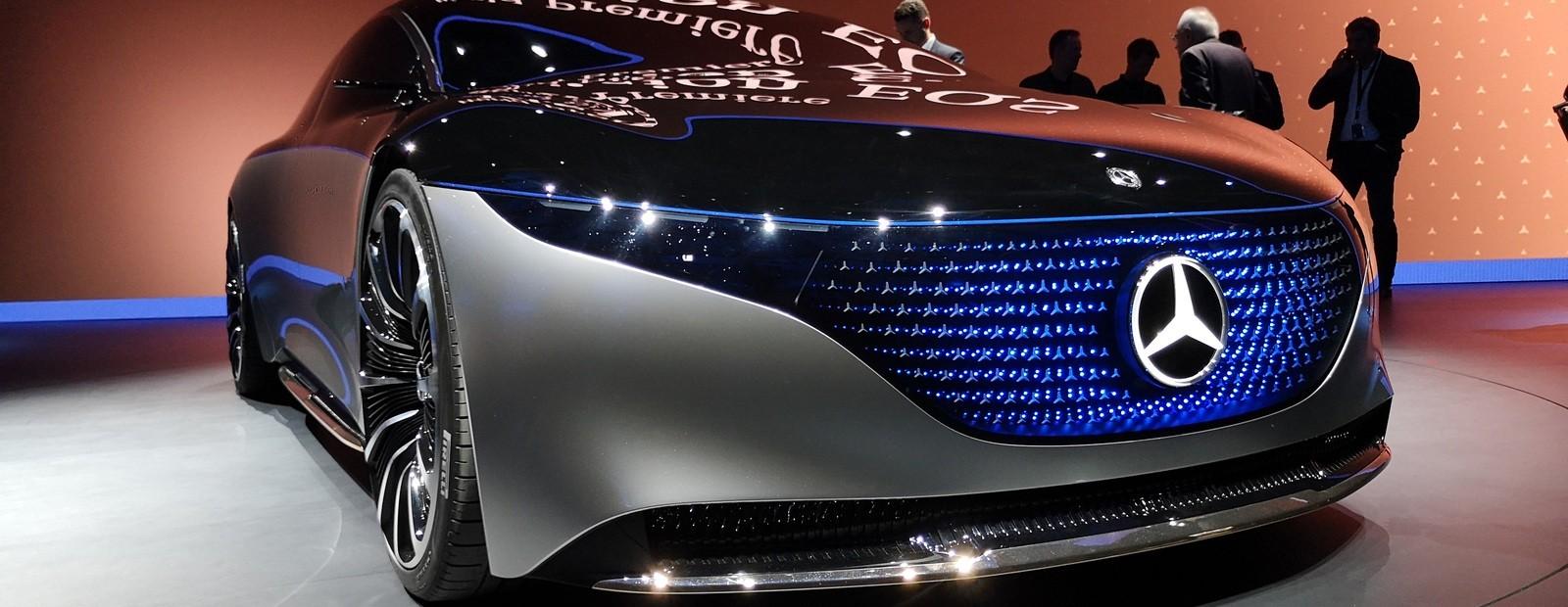 """Салон, как у яхты: Mercedes выкатил будущий """"электрический S-Class"""""""