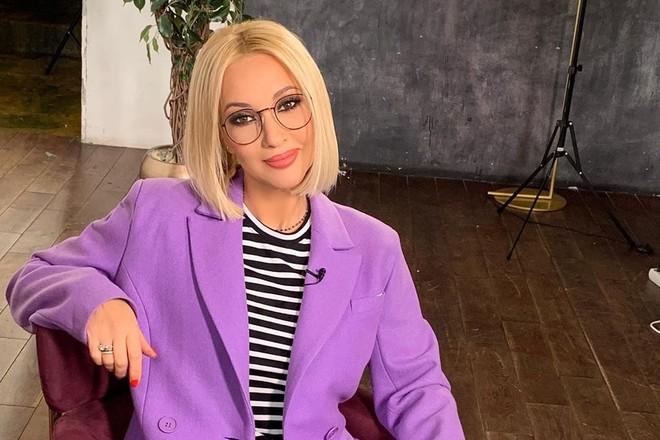 Лера Кудрявцева показала удалённые грудные импланты