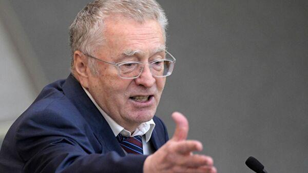 """Жириновский предложил """"разгрузить"""" президента России"""