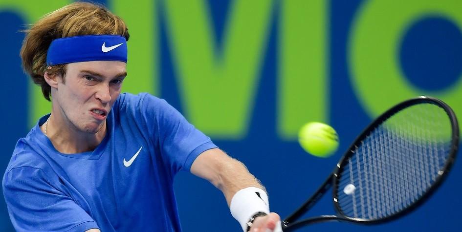 Российский теннисист пробился в полуфинал турнира в Австралии