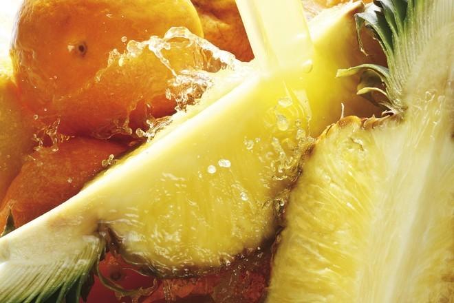 Диетолог рассказала о роли фруктов и пряностей в похудении