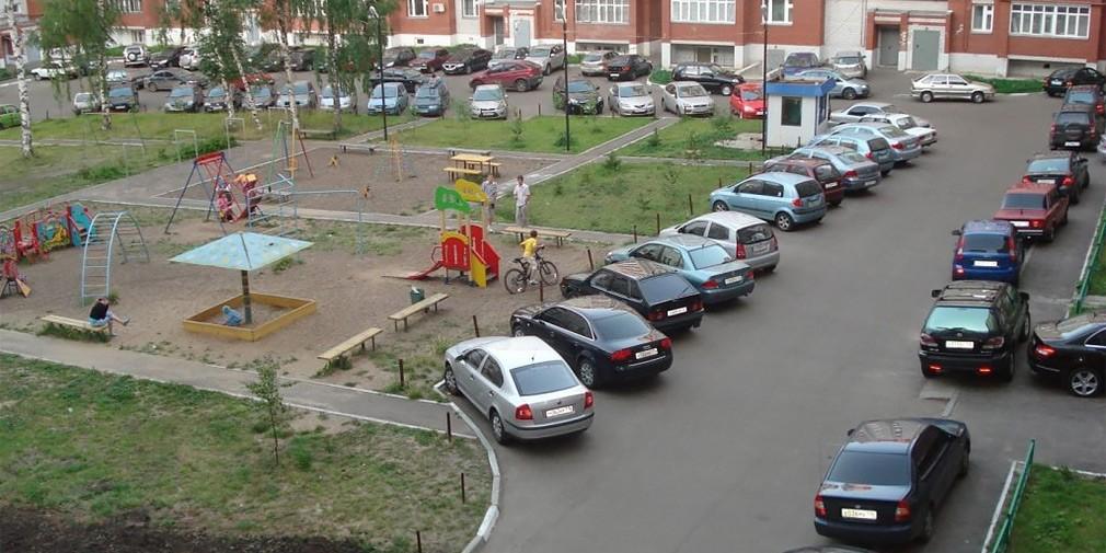 В Минтрансе объяснили, кого накажут за парковку во дворах