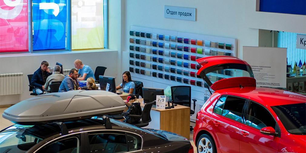 С начала года 18 компаний подняли цены на автомобили в России