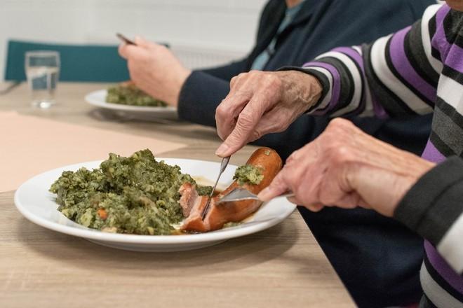 В Роспотребнадзоре рассказали, как нужно питаться пожилым людям