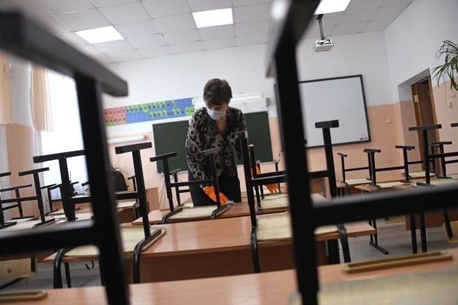 Роспотребнадзор не увидел в коронавирусе причину для карантина в школах