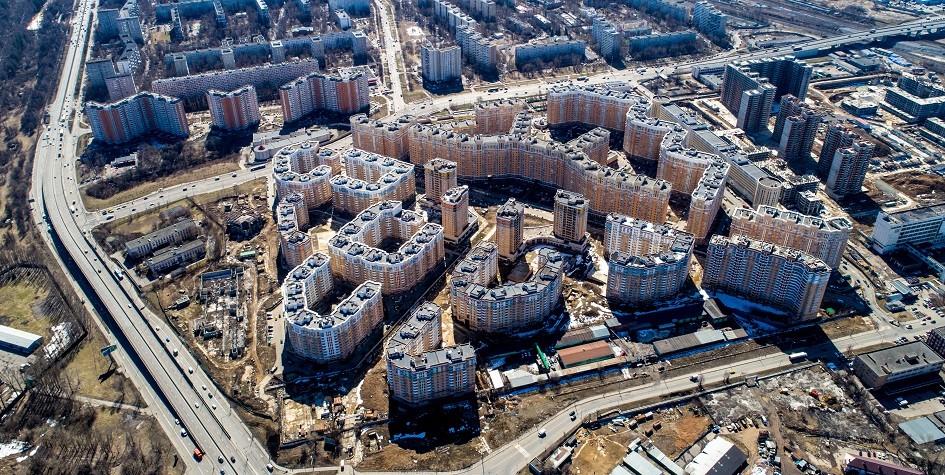 Более 1550 строителей работает на корпусах первой и второй очереди ЖК «Царицыно»