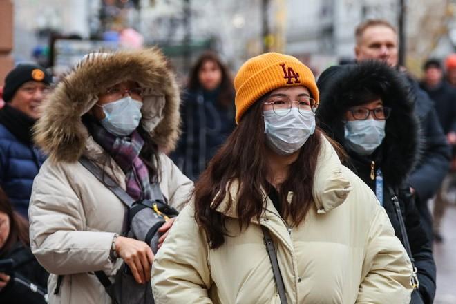 В Хабаровске ввели масочный режим из-за коронавируса