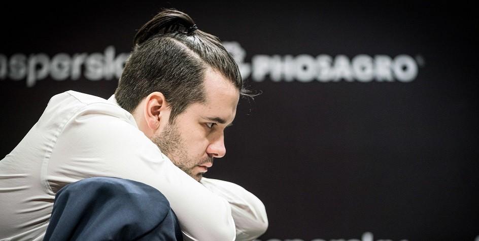 Шахматист Непомнящий сохранил лидерство в турнире претендентов