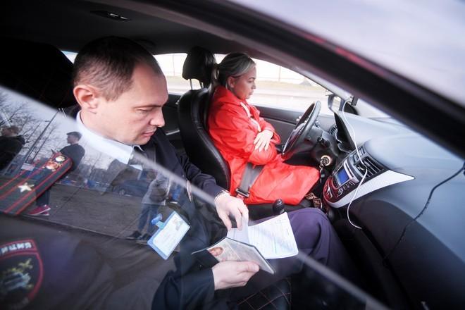 ГИБДД не пустит людей с температурой на экзамены по вождению