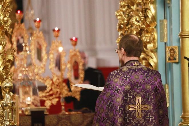 Священникам РПЦ в Москве будут мерить температуру