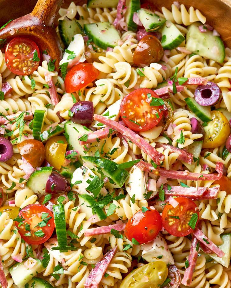 Рецепт самого легкого салата с макаронами