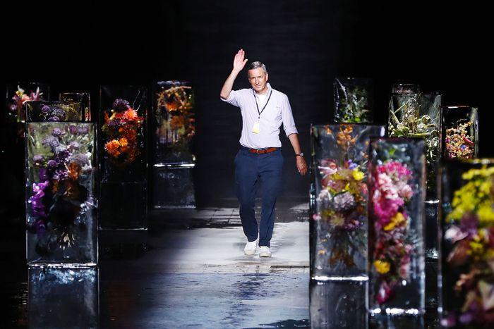 Дрис Ван Нотен предложил пересмотреть модный календарь