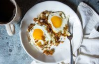 Рецепт хрустящей яичницы