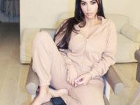 +1 в список обязательных покупок на осень: уютный домашний костюм, как у Ким Кардашьян