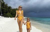 Бесконечный пляж и ноги: Лена Перминова на Мальдивах