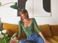 Безупречные джинсы, шелковая рубашка и другие универсальные вещи из гардероба француженки Жюли Феррери