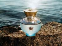 Лазурная амфора: цветочный аромат от Versace