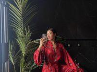 Лучшая одежда та, которую ты сшил сам: Пегги Гу в шелковой пижаме собственного бренда