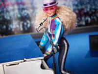 Неожиданно! Новая кукла Барби копирует Элтона Джона