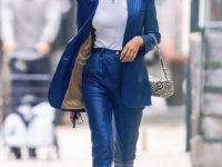 Самый яркий выход недели: Ирина Шейк в синем кожаном костюме польского бренда