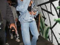 Total denim: Хейли Бибер показывает, как носить джинсовый комплект стильно