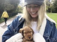 Я ль на свете всех милее: кто выглядит очаровательнее на фото — Марго Робби или ее щенок?