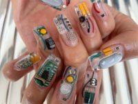 Geek маникюр с чипами и микросхемами
