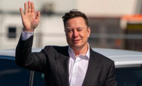 Илон Маск занял второе место в рейтинге миллиардеров Bloomberg