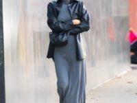 Как смешивать разные текстуры в образе? Посмотрите на Ирину Шейк в трикотажном платье и кожаной рубашке