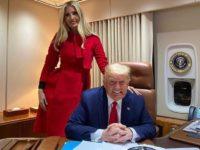 Красный— цвет победы: Иванка Трамп в моделирующем алом платье