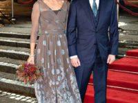Прозрачное платье с аквамариновой печатью: датская принцесса Мэри на торжественном приеме