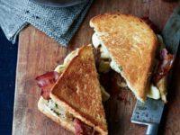 Все гениальное просто: 7 рецептов сэндвичей на любой вкус