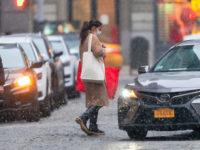 Что носит Кэти Холмс в сильный снегопад?
