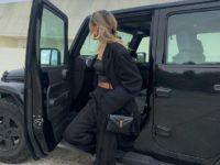 Как выглядеть ярко в черном тотал-луке? Показывает стилист София Коэльо