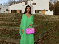 Невероятно красивая Тина Кунаки в изумрудном платье Valentino разобьёт ваше сердце