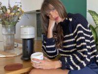 С чем сочетается полосатый свитер? Показывает француженка Жюли Феррери