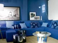 Синий цвет в гостиной: 35+ интерьеров