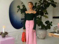 Яркая юбка + топ в рубчик: идея образа для новогодней вечеринки от стилиста Эмили Синдлев