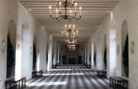 Юрген Теллер снял тизер показа Chanel Métiers d'art в замке Шенонсо