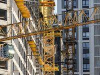 Путин подписал закон о сокращении сроков процедур в сфере строительства