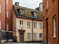 Атмосферная квартира с изразцовой печкой в Стокгольме
