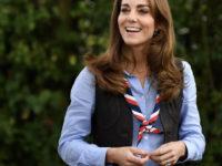 Королева Елизавета II поздравила Кейт Миддлтон с днем рождения трогательными фото