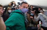 Минпросвещения рекомендовалородителям оградить своих детей от«прогулок» вподдержку Алексея Навального