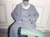 Резиновые сапоги оттенка мяты и металлические колье в коллекции Jil Sander Men's Fall 2021