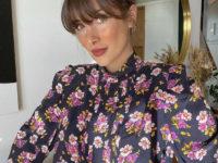 Самый красивый образ понедельника: шелковая блуза с черемухой Жюли Феррери