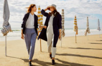 Uniqlo и Инес де ля Фрессанж посвятили новую коллекцию отдыху в Довиле