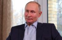 Владимир Путин заявил о возможности аккуратной отмены коронавирусных ограничений