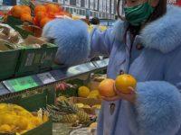 Датский блогер Наоми Анвер показывает самое красивое зимнее пальто