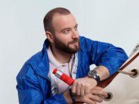 Разговор о бьюти-средствах, мотивации, мужских слезах и роскоши быть киборгом с параатлетом Дмитрием Игнатовым