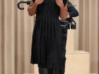 Строгие мужские платья и деконструированные тренчи в коллекции Burberry Men's Fall 2021